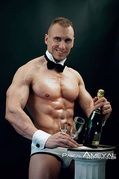 Stripteaseur Chalons-en-Champagne Mike