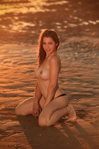 Stripteaseuse Saint-Lô Naomi
