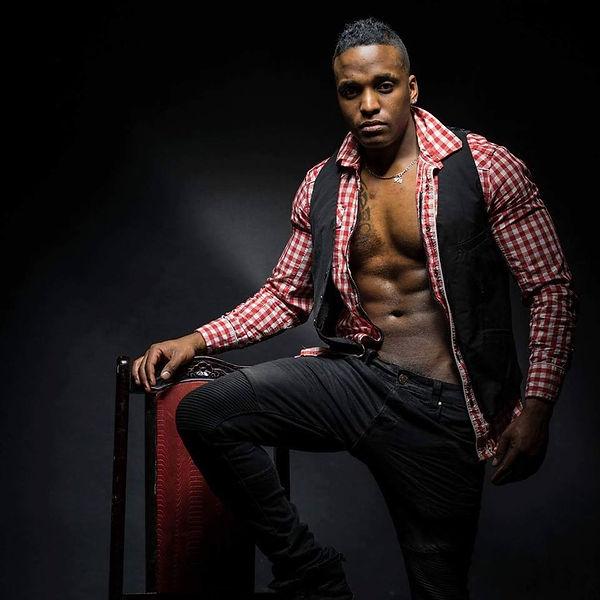Stripteaseur Nantes Ash