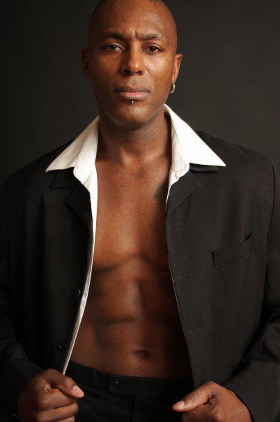 Stripteaseur Paris black Karl