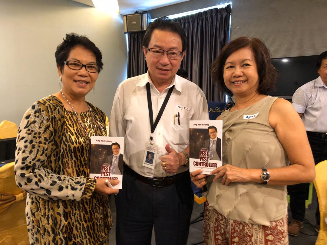 Ang, with friends who bought the book