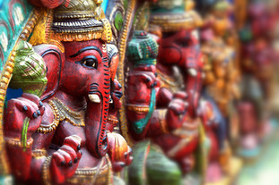 Câu chuyện dòng sông linh thiêng của người Hindu và chén trà mình được mời