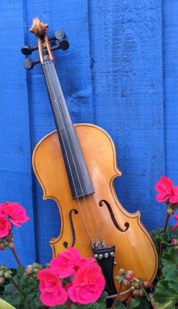 Violin to upcycle