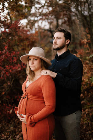 Outdoor maternity session