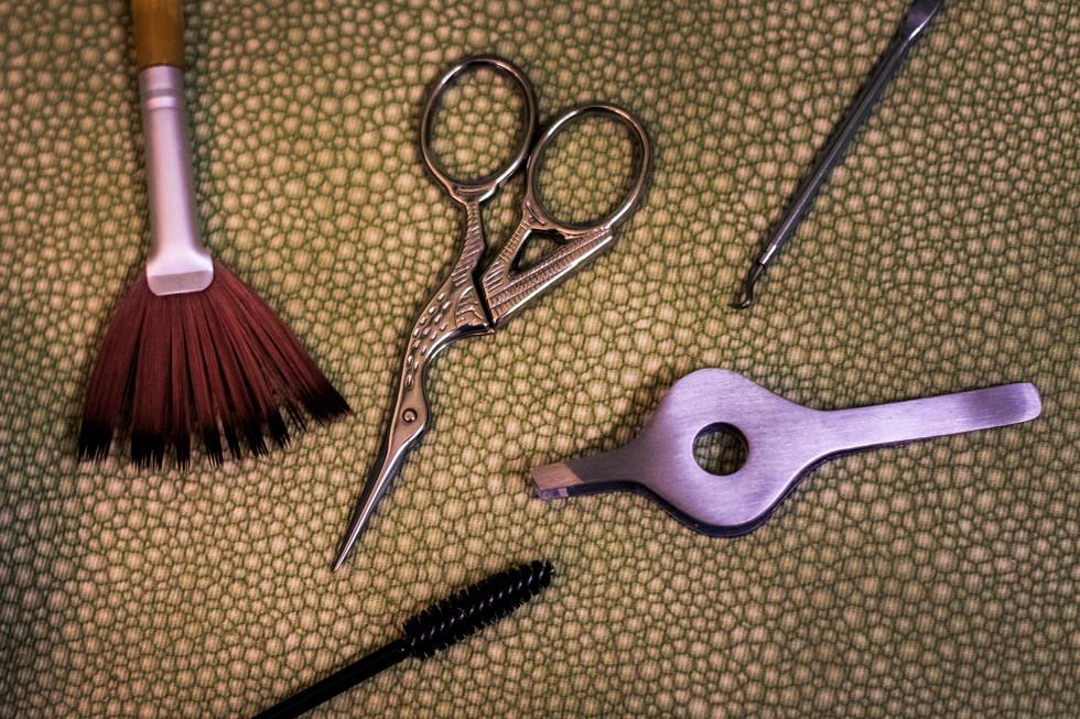 Skin and eyebrow tools