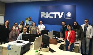 Alunos de Jornalismo e Publicidade visitam RICTV Record