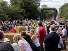 huge crowds at soapbox race