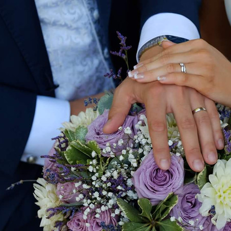 Why wedding flowers cost what they do and tips to help minimise this cost