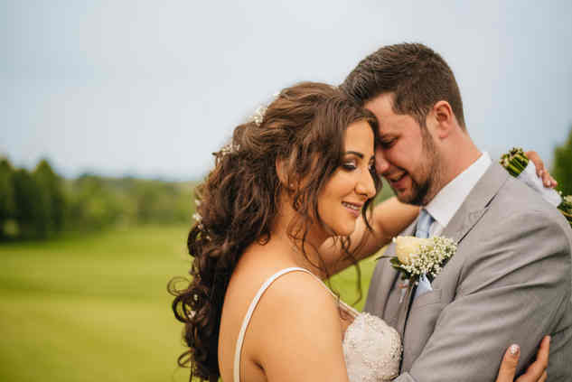 relaxed couple at wedding