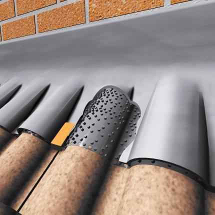 Manthorpe Flash Vent, Top abutment Ventilation strip