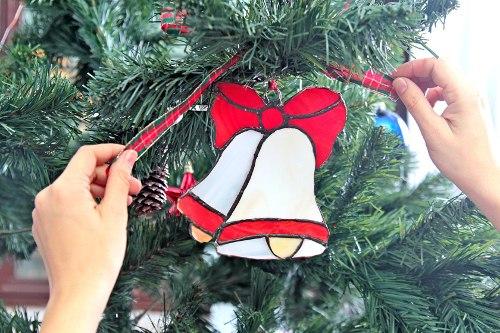 Новогоднее витражное украшение