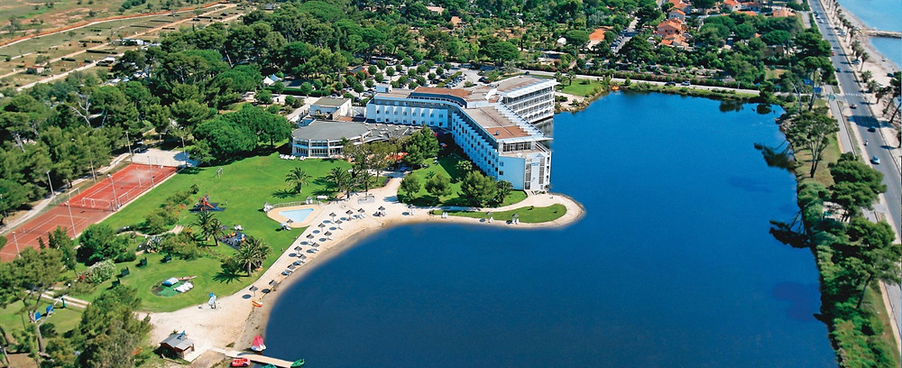 Vue aérienne de l'hôtel Plein-Sud, Hyères