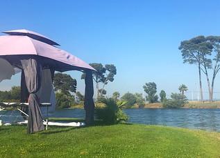 La tente d'été est arrivée !! Découvrez le plaisir d'un Massages au bord de l'eau...