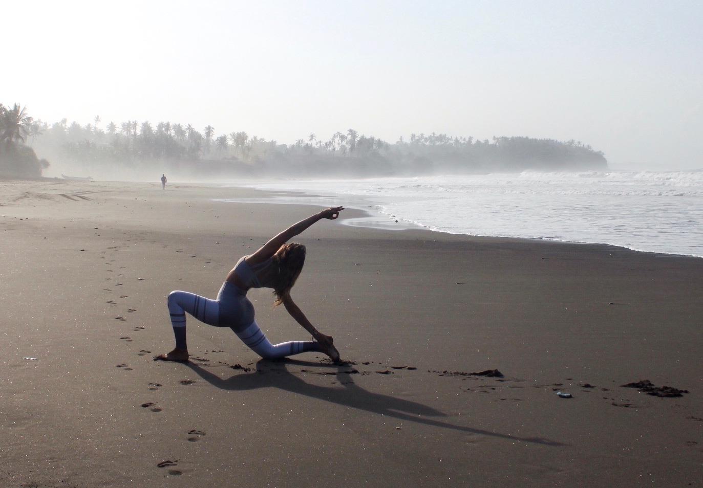 Yoga%20at%20the%20Beach_edited