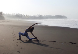 Yoga%20at%20the%20Beach_edited