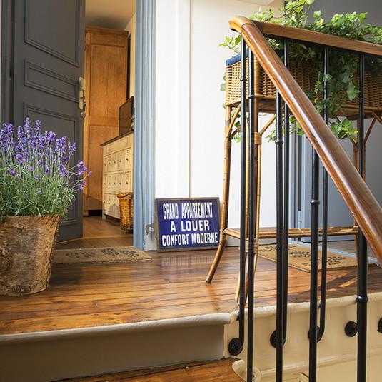 la petite-lulu-escalier-france-03 md.jpg