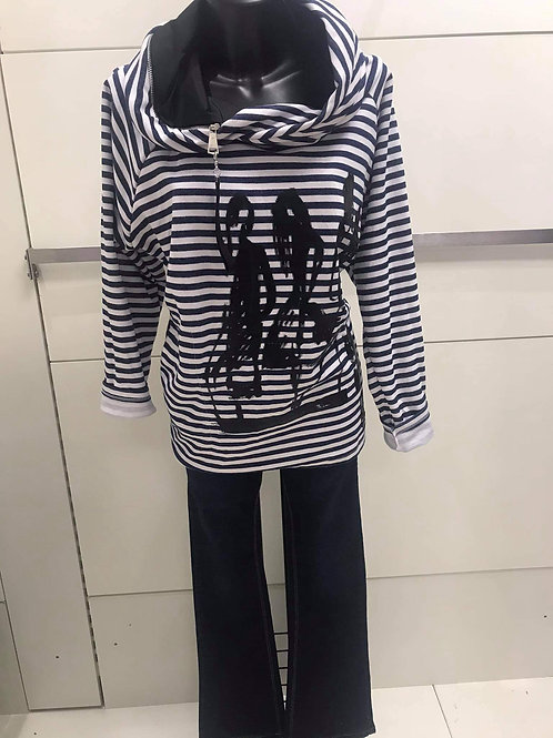 Navy /red stripped top
