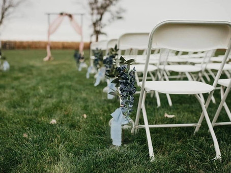 Choosing between an Outdoor and Indoor Ceremony
