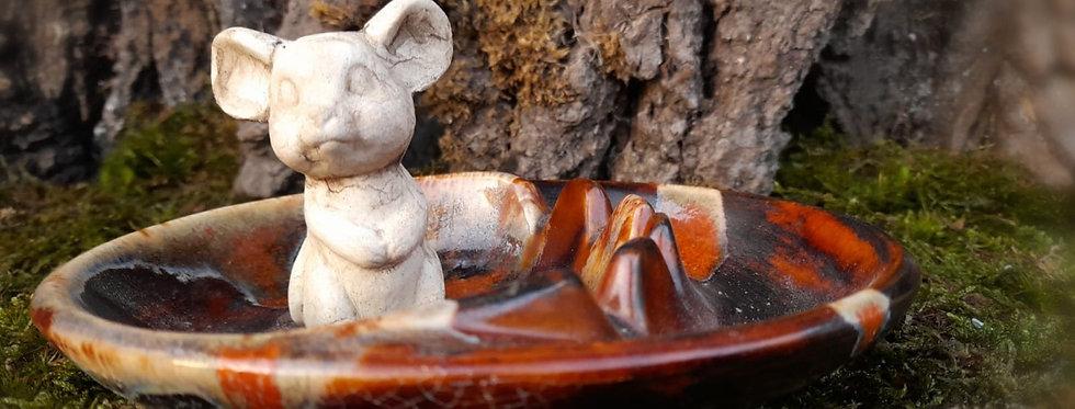 Aschenbecher mit Maus