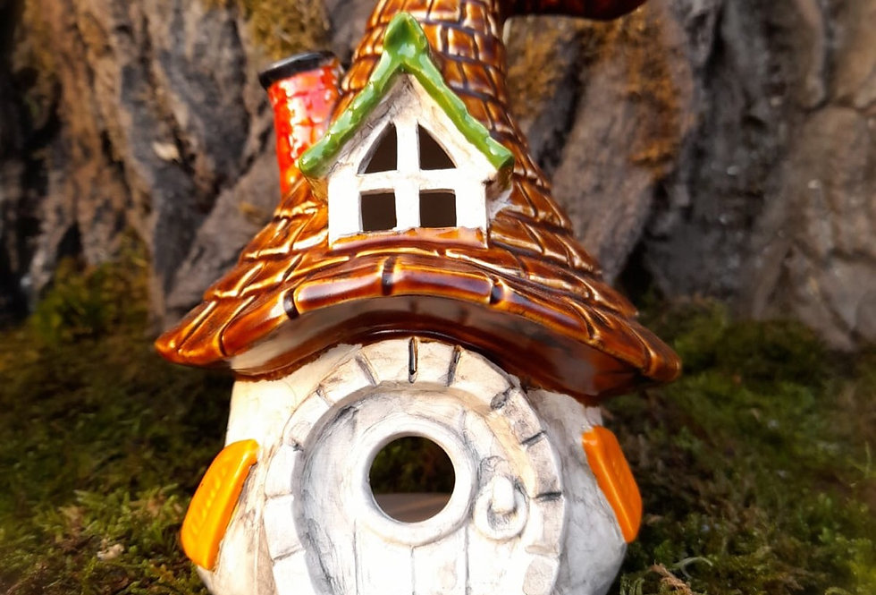 Trollhaus zum beleuchten 18x13 cm