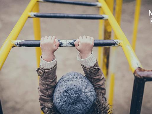 Хүүхдээ эрсдэлээс хамгаалах хамгийн шилдэг арга нь эрсдэлийн боловсрол олгох