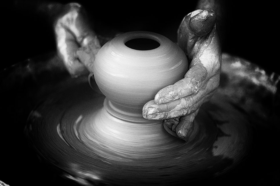 black-and-white-photography-wheel-darkne