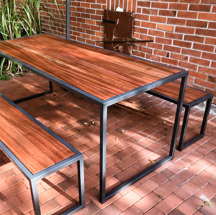 Outdoor table