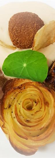 Déclinaison de cochon fermier du Sud Ouest, rose de pomme de terre et pulpe de mogettes
