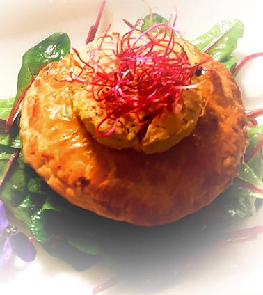 Chausson au cèpes et médaillon de foie gras