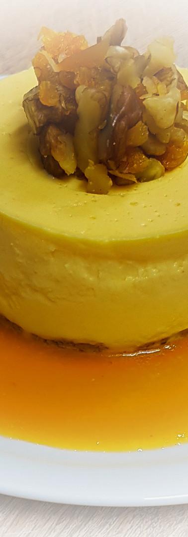Panna cotta d'abricot et macédoine de noix et abricots secs