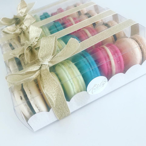 Macaroons boxed wedding favours