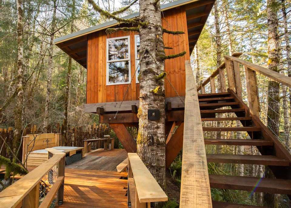 Heartland Treehouse Oregon: 19 Pacific Northwest Treehouses to Rent Now