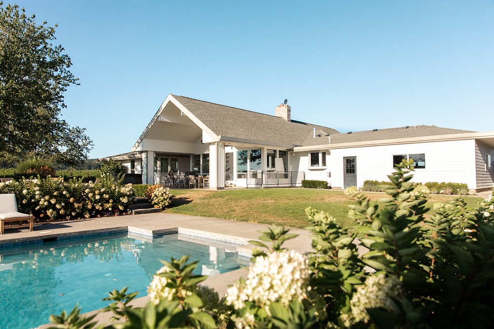 This luxury wine country retreat in the Willamette Valley sleeps 16.