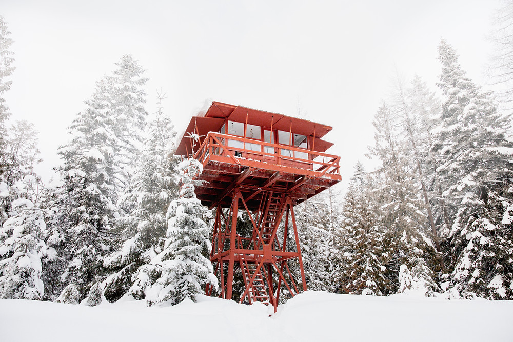 Crystal Peak Lookout Idaho: 19 Pacific Northwest Treehouses to Rent Now