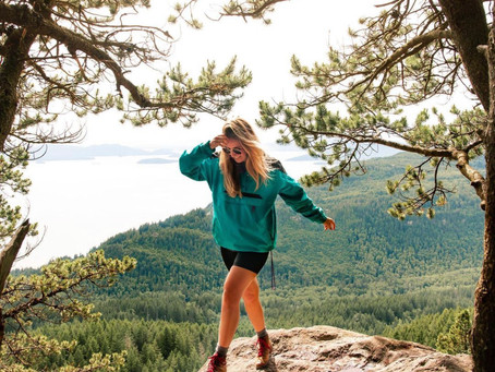 10 Cute and Functional Clothing Staples Every Pacific Northwest Woman Needs in her Closet