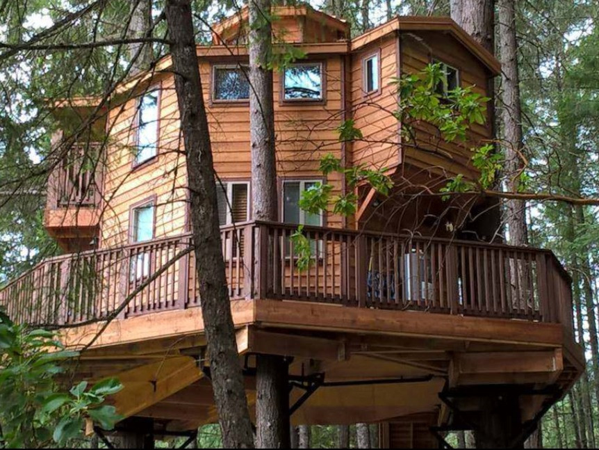 Vertical Horizons Treehouse Paradise: 19 Pacific Northwest Treehouses to Rent Now