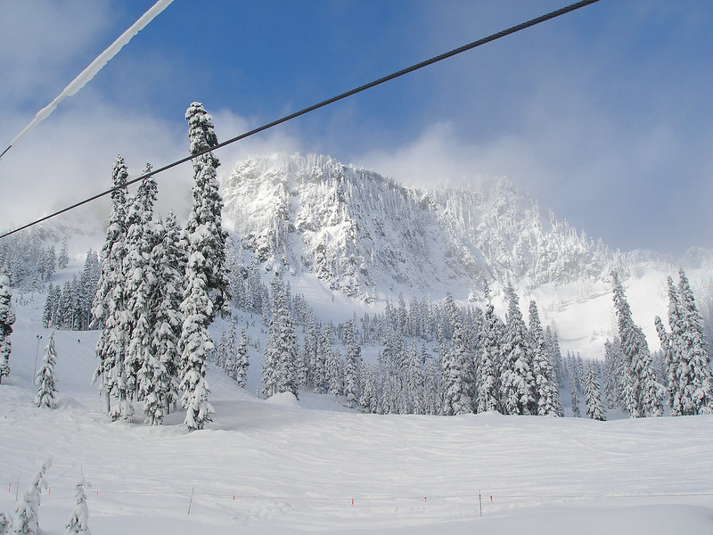Skiing at the Summit at Snoqualmie Alpental