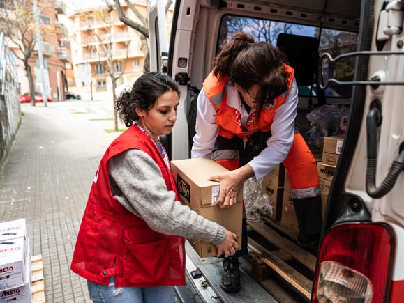 Descarga de material en Sant Cugat