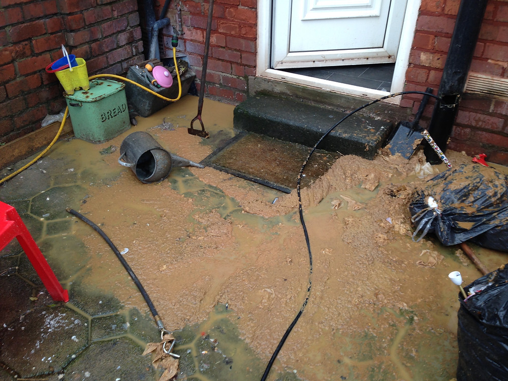 Drainage Blackpool, Problem drainage, Blocked drainage in Blackpool, cleared by the experts- JCS Drainage on hand 24 hours a Day. The fixed low cost drainage service for Blackpool.