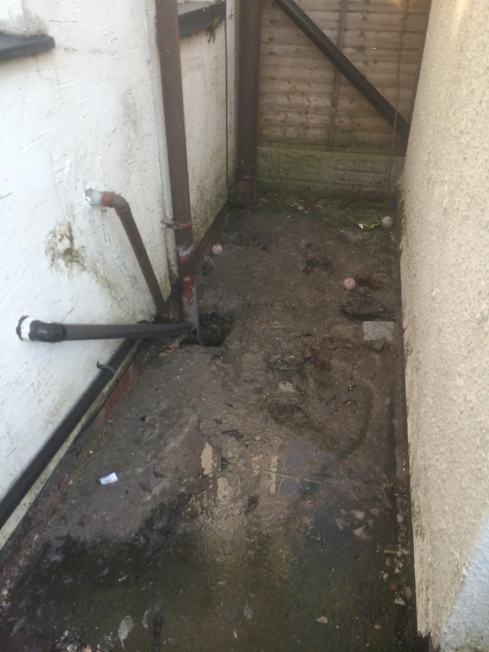 blocked drain in Preston, drain blockage cleared fast by JCS Drainage Preston. Need help with blocked drainage in Preston, Call us free on 08001693202