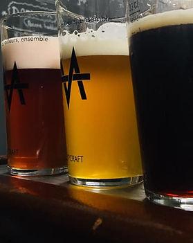 bières au bar.jpg