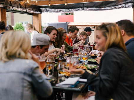 5 best restaurant and bar event ideas to get more customers