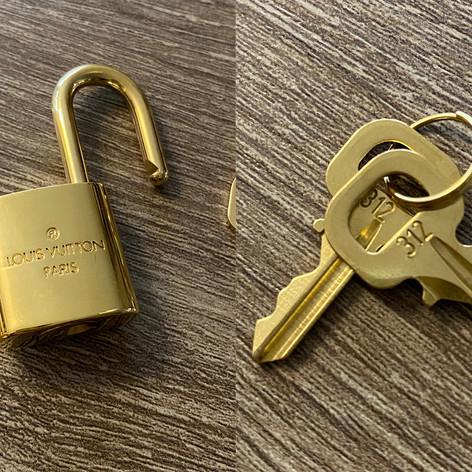 Louis Vuitton - slot en sleutel  prijs: 60€  ref. 00419