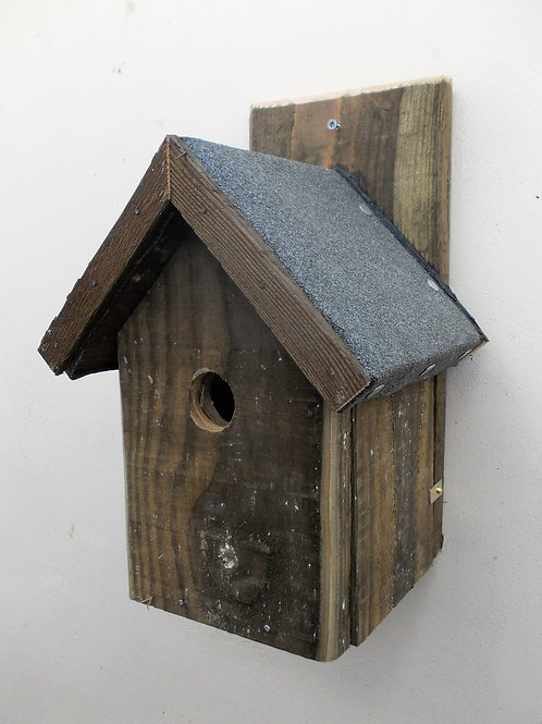 'Classic' Bird Box with Felt Roof - Natural Finish