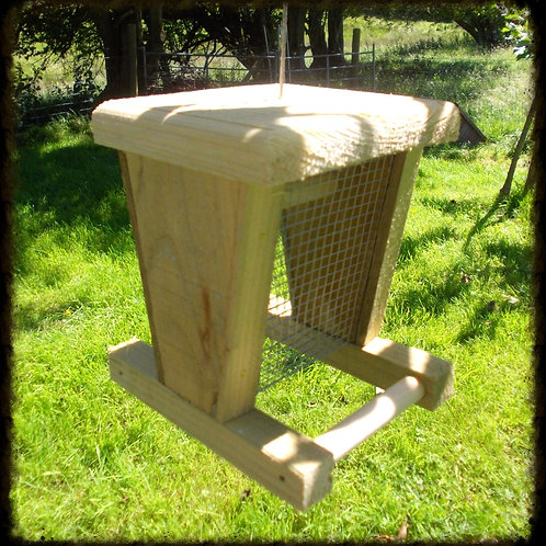 Perch Peanut Feeder with Wooden Lid