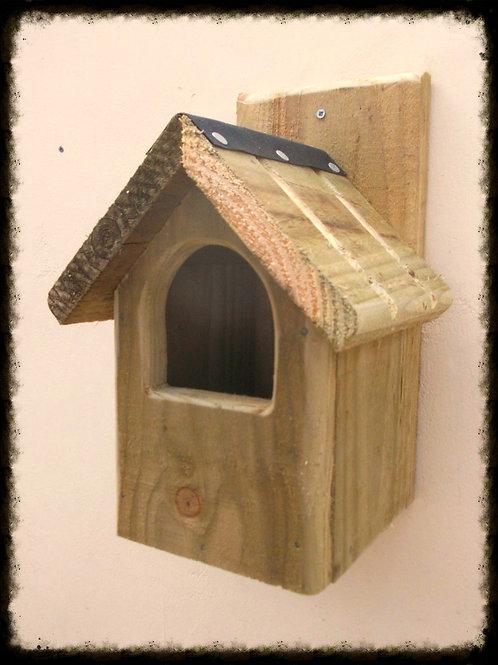'Classic Robin' Bird Box - Natural Finish