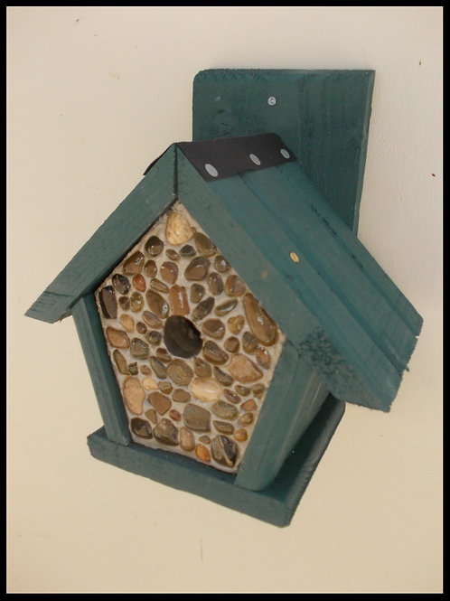 'Pebbled Penthouse' Bird Box