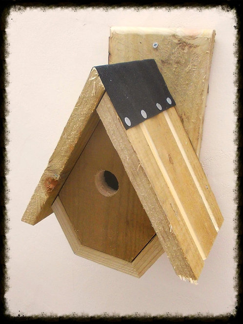 'Alpine' Bird Box - Natural Finish