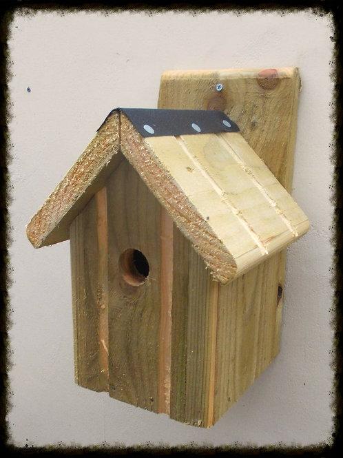 'Classic' Bird Box - Natural Finish