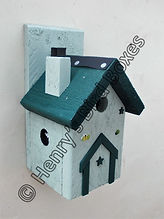 Pixie House Bird Box Pale Green & Pine G